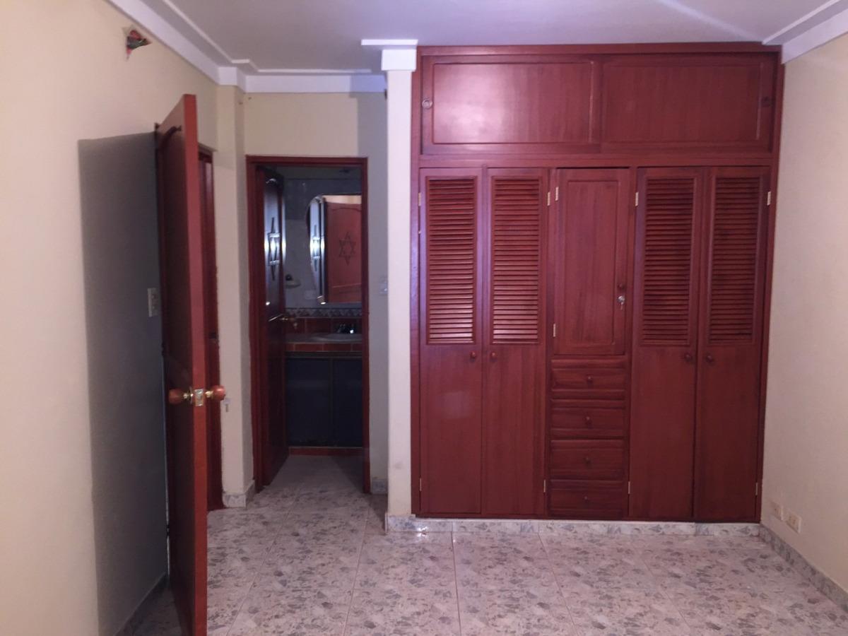 se vende propiedad de dos pisos independientes en entradas