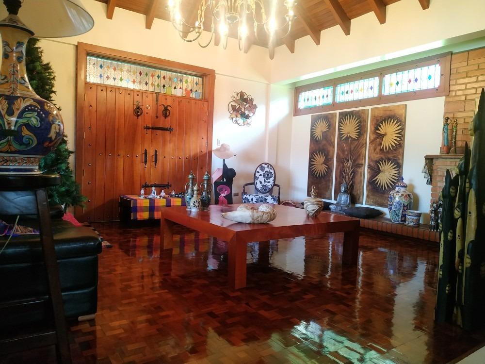 se vende quinta en lomas de palmarito el castaño 04243603726