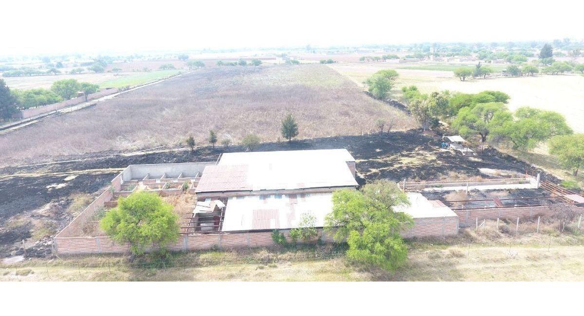 se vende rancho en rincon de romos a 100 mts. de la carretera 45