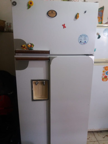 se vende refrigeradora white-westinghouse
