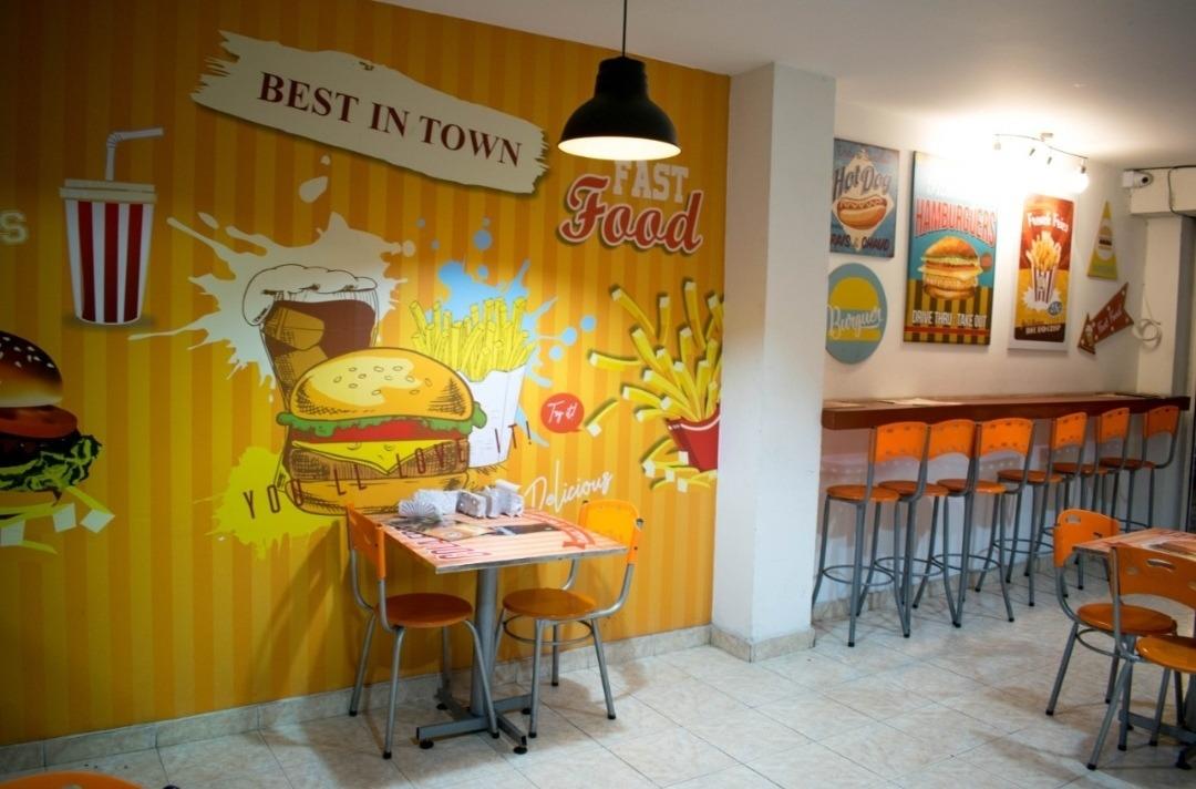 se vende restaurante de comidas rápidas .