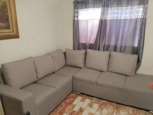 se vende sala en perfecto estado semi nueva color gris