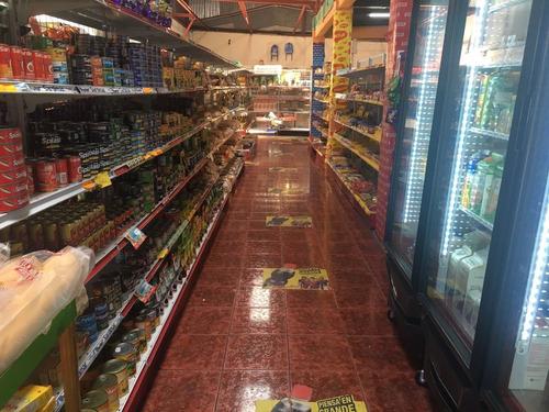 se vende supermercado con apartamento