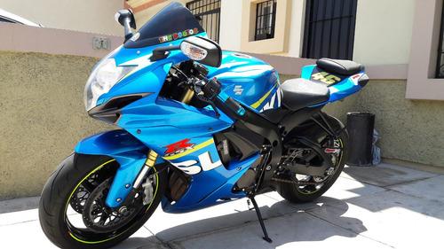 se vende suzuki 750cc - 2015