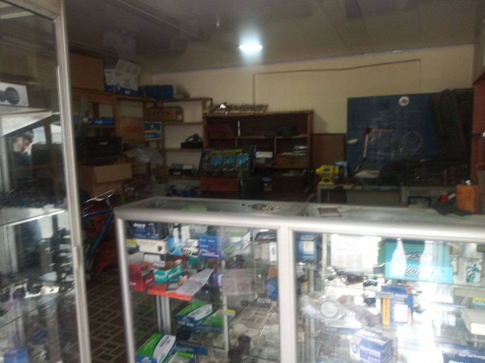 se vende taller de electricidad y alarmas