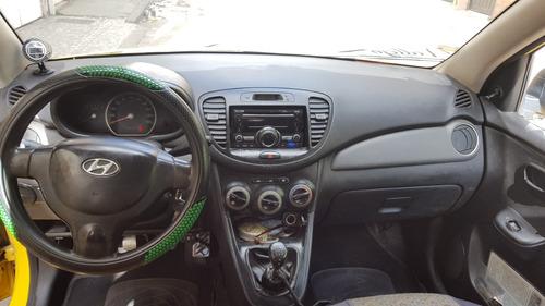 se vende taxi hyundai i10 2013