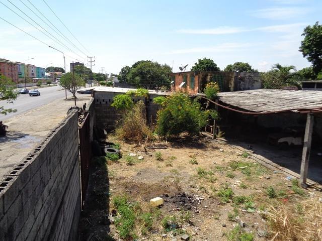 se vende terreno barrio bolivar rah: 19-8126