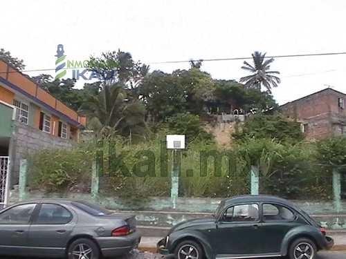 se vende terreno comercial 918 m2 calle galeana tuxpan veracruz, tiene de frente 33 m. y de fondo 31 m. excelente ubicación en la calle galeana # 42 entre la calle cuitláhuac y antonio plaza de la co