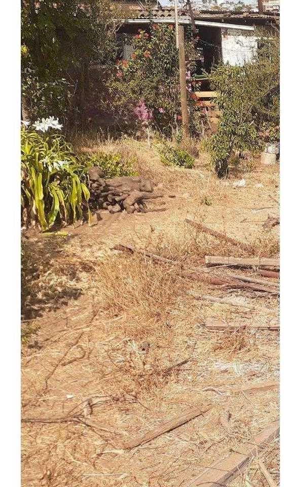 se vende terreno con casa para remodelar