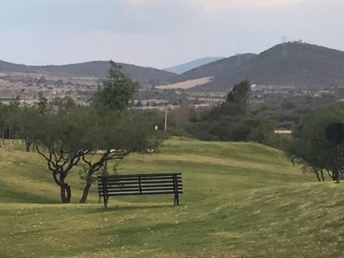 se vende terreno en el encino club de golf