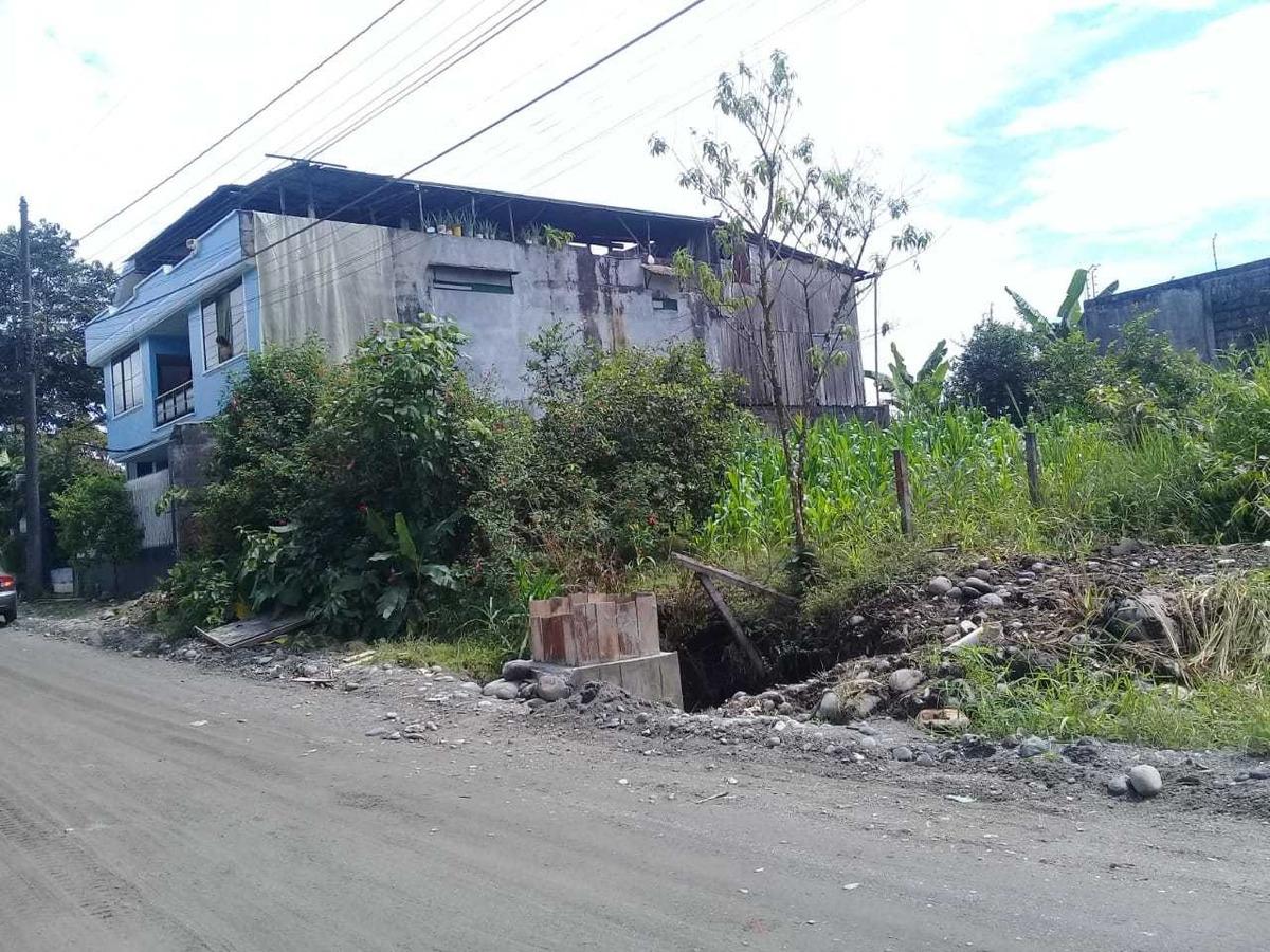 se vende terreno en el puyo cerca del nuevo hospital delpuyo