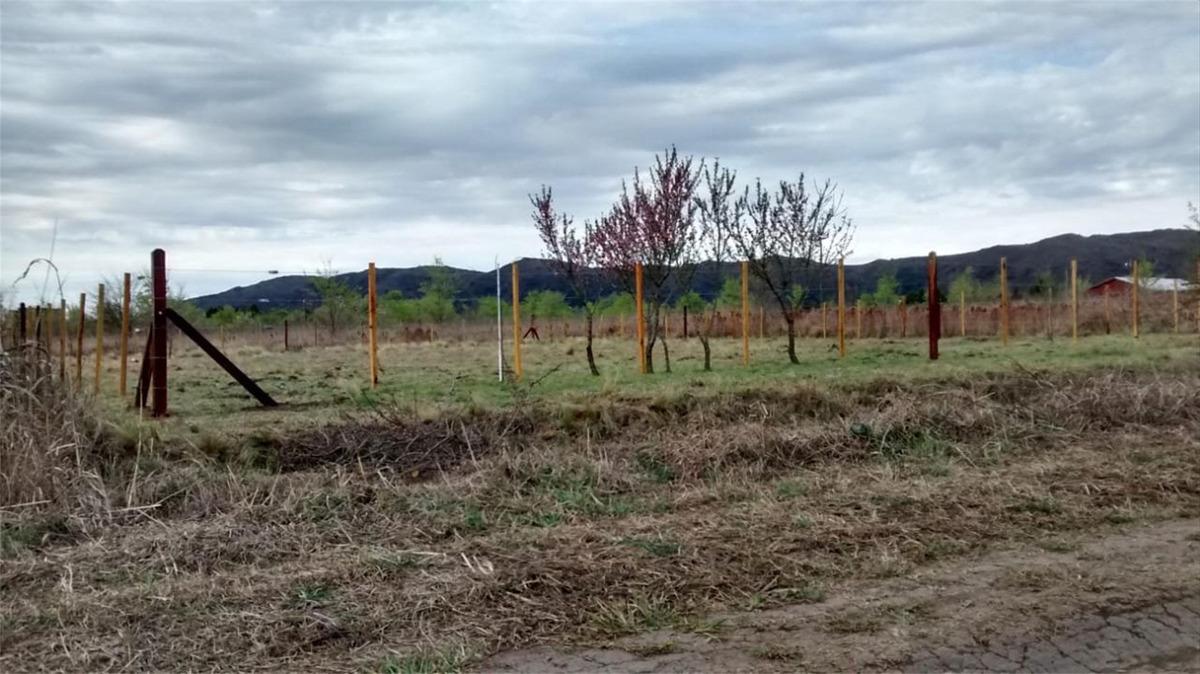 se vende terreno en solar de los molinos