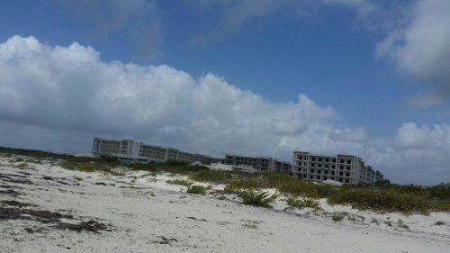 se vende terreno frente al mar en isla blanca