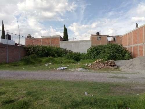 se vende terreno muy cerca de av. margaritas,  las torres y mayorazgo.
