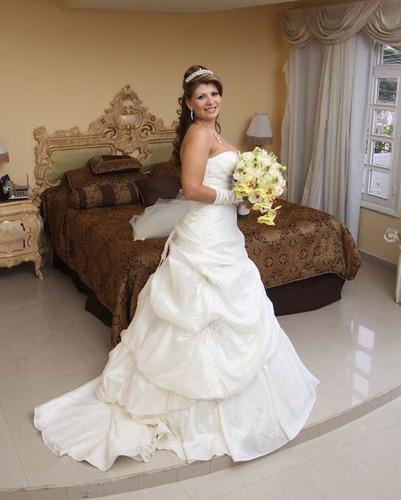 se vende vestido de novia de la diseñadora morí lee