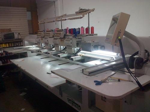 se venden 01 maquina de bordado leer descripción