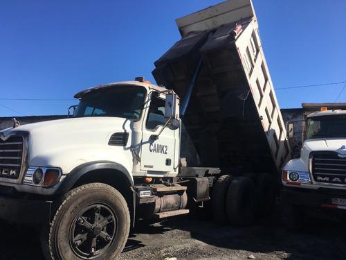 se venden (03) camion mack, modelo granité tolva de 18 cubos