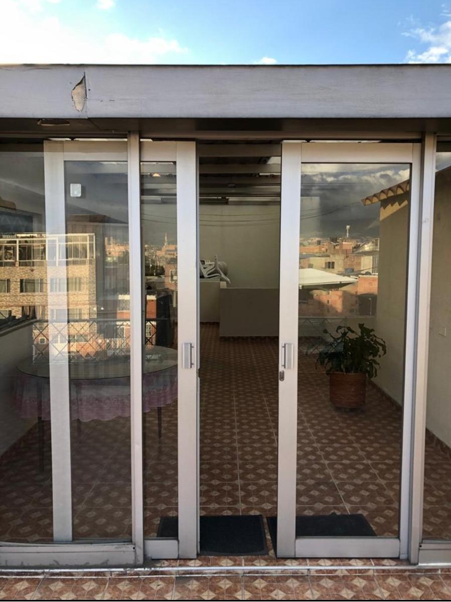 se venden casas en carimagua de tres pisos