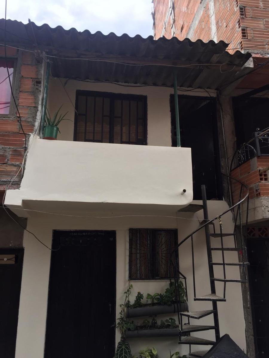 se venden dos apartamento en combo 1 primero y 2 piso