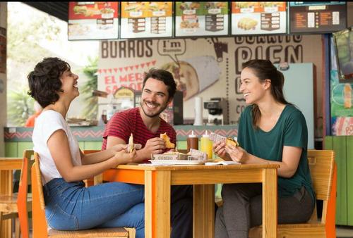se venden franquicias de comida rápida mexicana. el taconazo