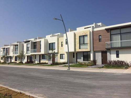 se venden hermosas casas en zakia