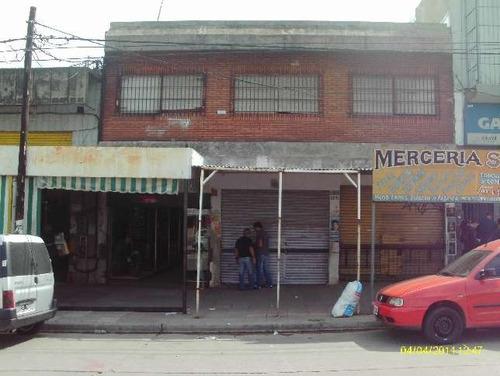 se venden tres locales en block en isidro casanova
