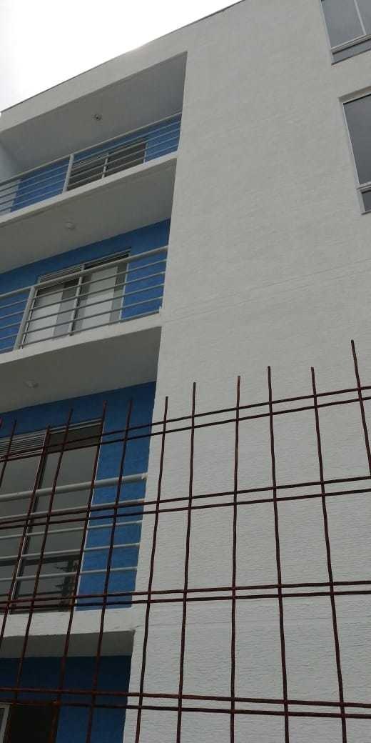 se venpermuta apartamento precio 85 millones negociable.