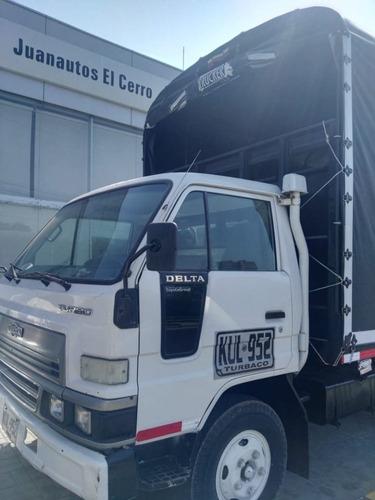 se vente camion de estacas en perfecto estado