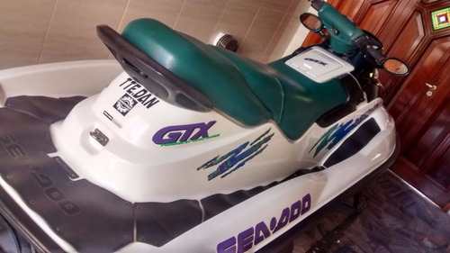 sea doo 1998 787cc  triplaza - impecable. con trailer