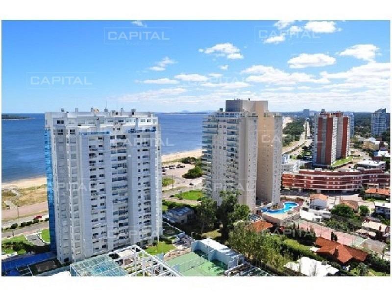 season tower punta del este - 3 suites + dep. de servicio con baño - al lado hotel conrad parada 4 mansa-ref:26709