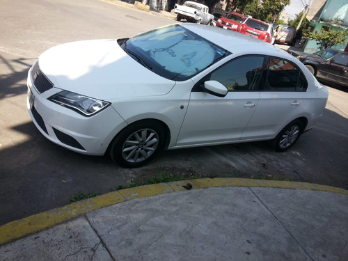 seat toledo 1.6 reference tiptronic r15 mt 2015