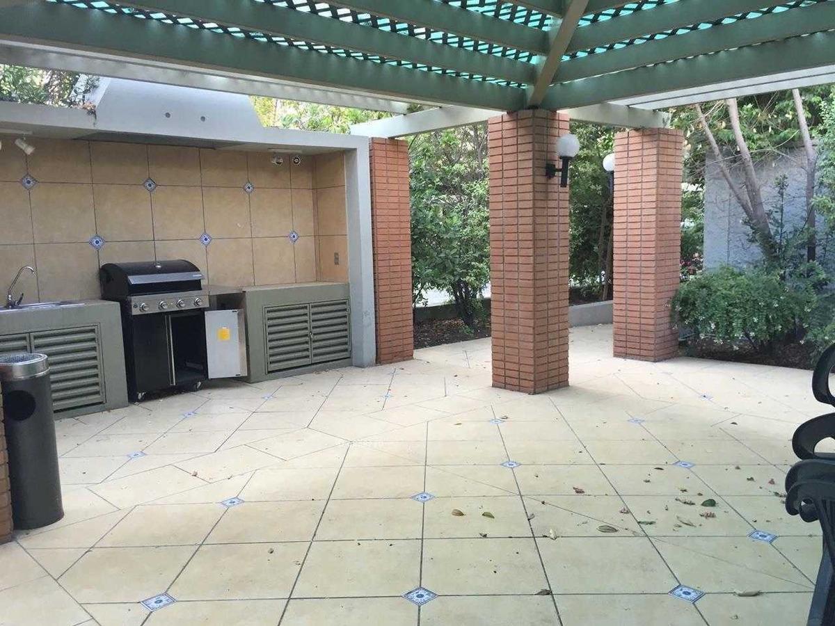 sebastián elcano / 2 estacionamientos