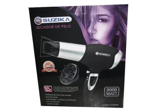 secador de pelo con art de peluqueria