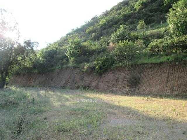 sector fundo cuyuncavi-a pasos camino asfaltado y minutos centro pueblo y ruta 68