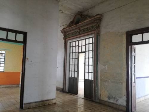 segundo piso de edificio luz en renta