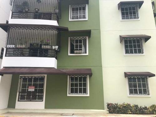 segundo piso en pradera tropical frente a la zona franca de