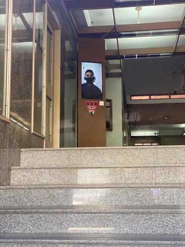 seguridad edificios   tótem de vigilancia remota