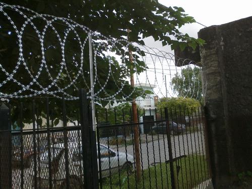 seguridad perimetral instalación de concertina efectivo meto