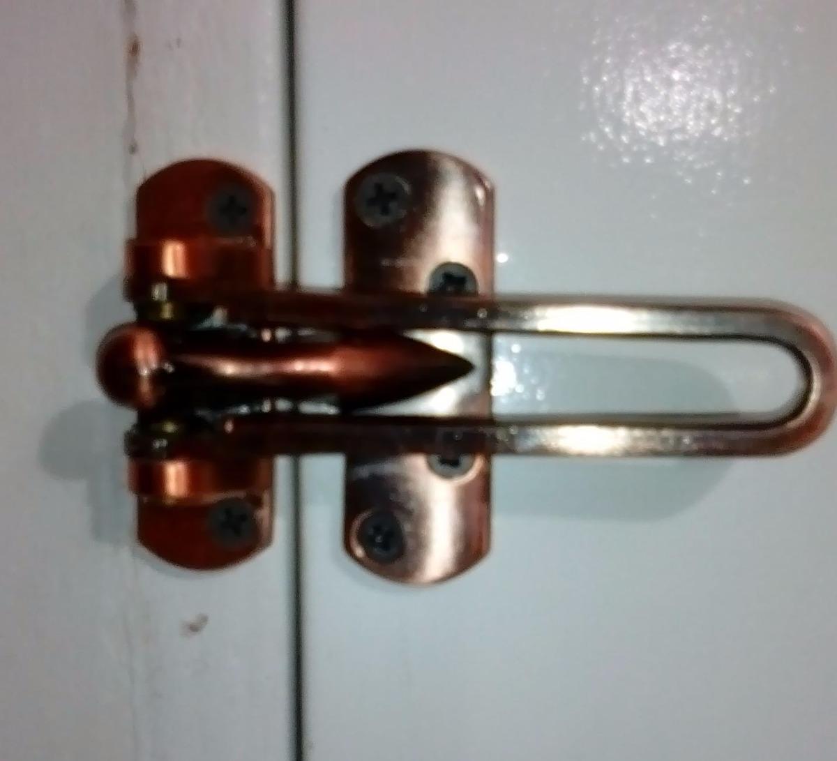 Seguro protector cerrojo para puerta picaporte de for Cerrojo para puerta de bano