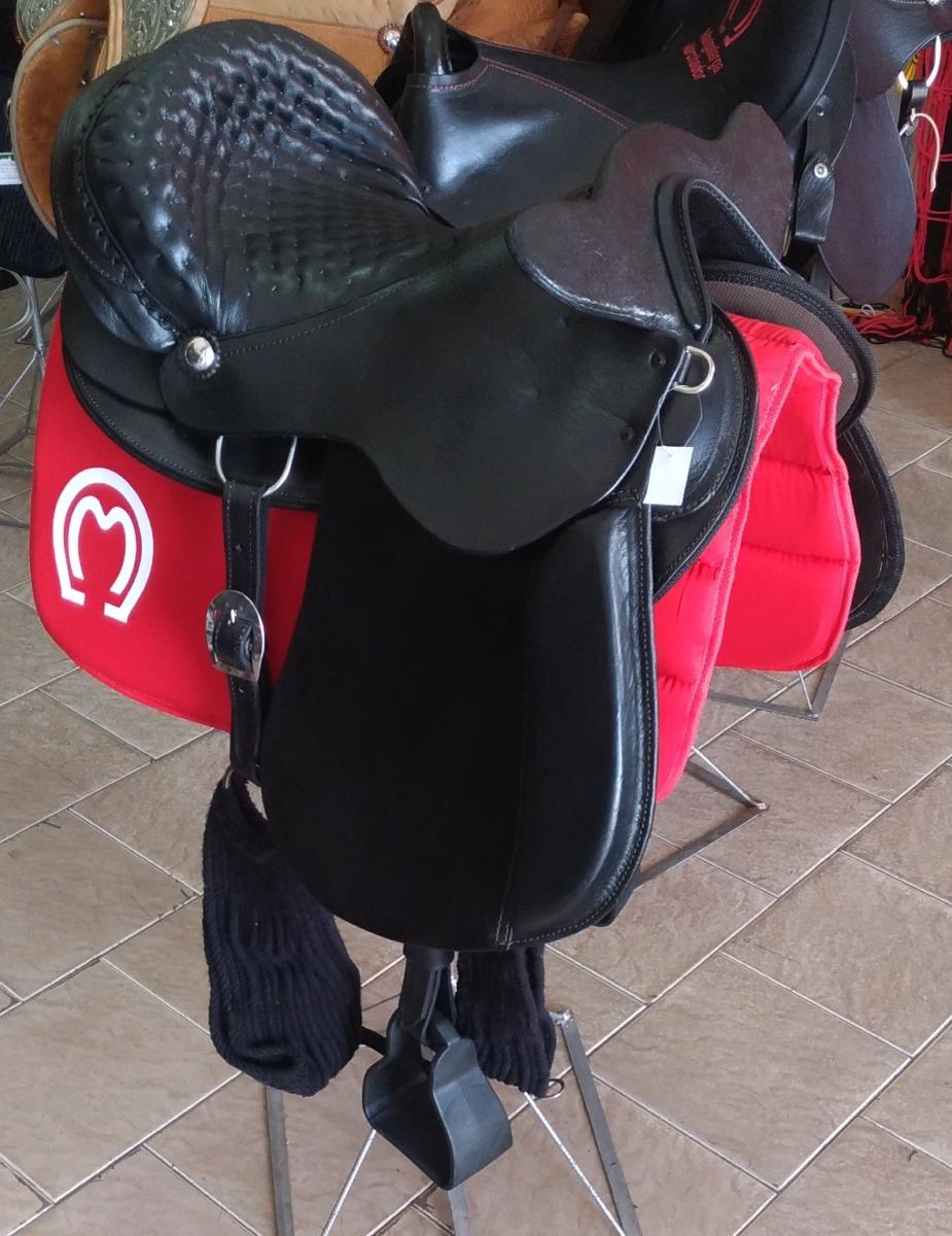 d2596f3cd5338 Sela Comfort Preta + Manta Selaria Cavalo E Cia - R  857