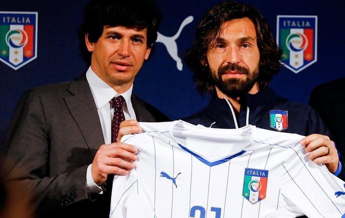 52986d4a59a0b camisa puma seleção itália 2014 tam. g pirlo 21 tamanho g · camisa seleção  itália. Carregando zoom... seleção itália camisa