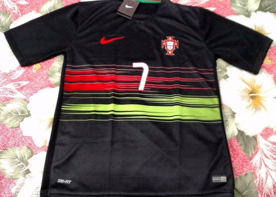 cb768de137 Camisa Seleção Portugal Away 2015 16 - Cristiano Ronaldo 7 - R  75 ...