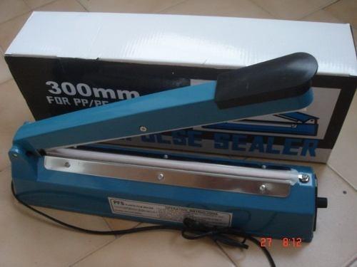 selladora de bolsas plásticas 30cms.-cba02