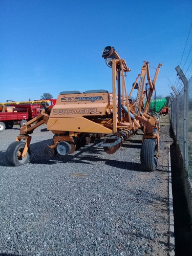 sembradora agrometal tx mega de 18 a 52cm fs año 2000