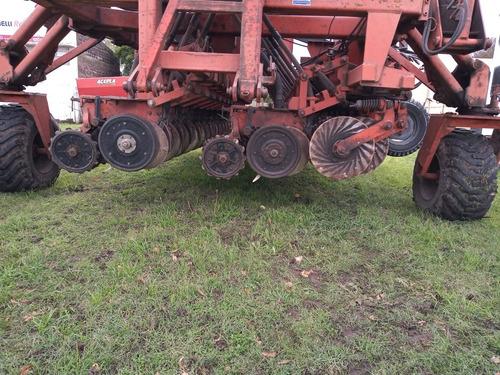 sembradora fercam 440 de 23 líneas a 21