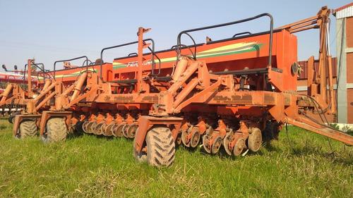 sembradora fercam de granos gruesos con fertilizacion.