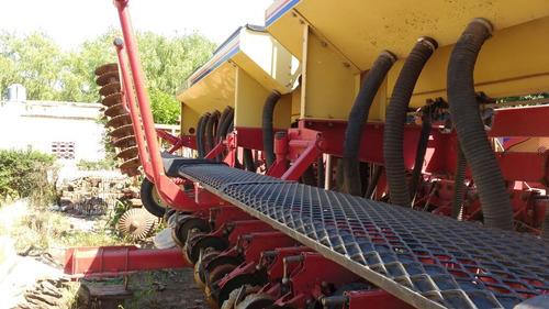 sembradora gherardi g300 de 14 a 52-16 a 42 c/monitor. mbuen