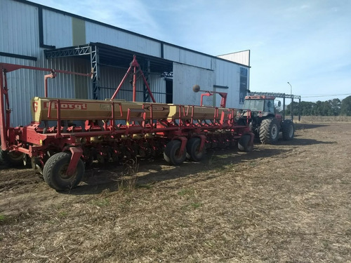 sembradora giorgi, tractor valtra y piloto automático