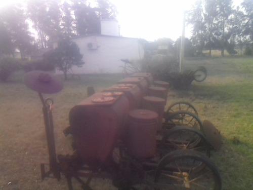 sembradora international de 4 surcos