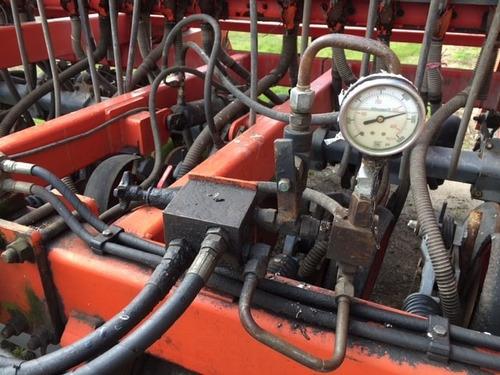 sembradora plantadora tanzi de 24 lineas usada